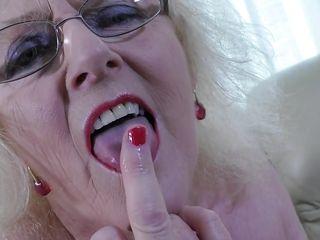 Порно дрочка жены