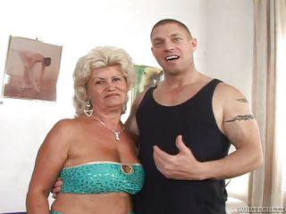 Бабушки учат сексу