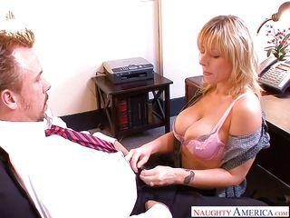 Секс с сестрой жены видео