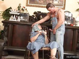 Жопастые бабушки порно