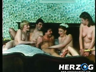 Порно видео зрелые крупным планом