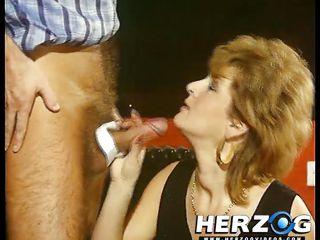 Порно кончил в презерватив